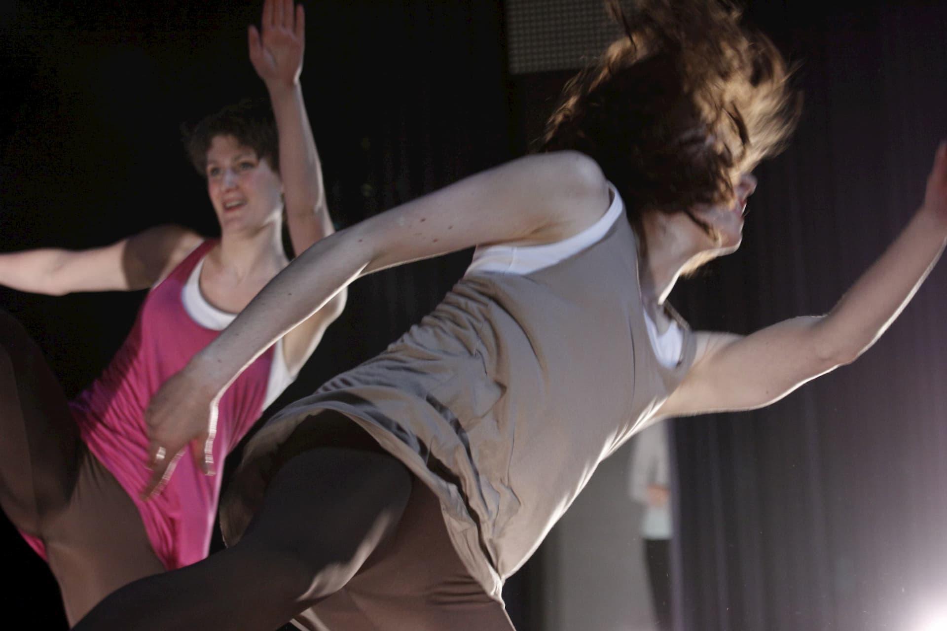 Fotograaf Johannes Swart. Choreografie: Daisy van Drongelen, Josephine van der Lugt, Martina Tak. Uitgevoerd tijdens de theatervoorstelling Connect van Christian Dance Company